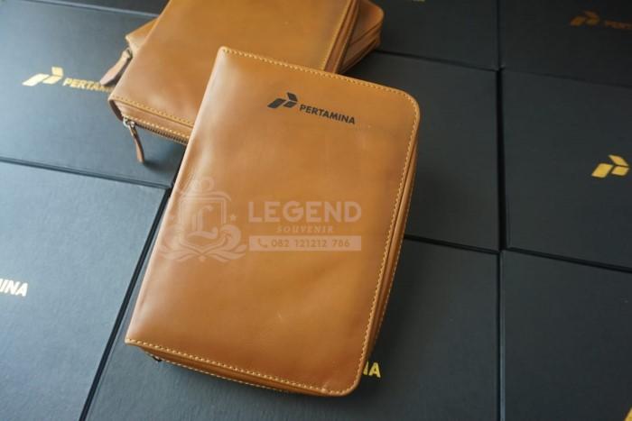 souvenir binder kulit asli pertamina