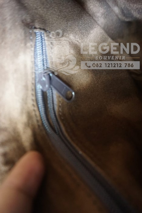 Souvenir clutch kulit asli Ground Probe