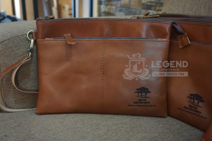Paket Handbag Kulit untuk acara seminar