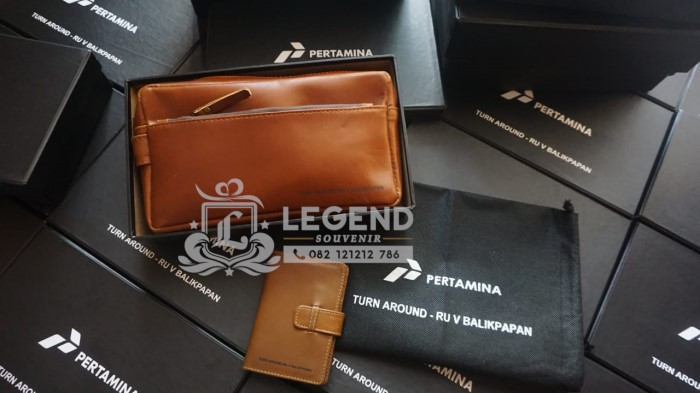 jual souvenir barang promosi kantor di balikpapan pouch bag kulit pertamina