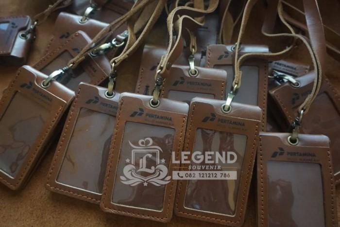 souvenir promosi id card kulit pertamina