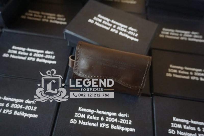 gantungan kunci souvenir BNN untuk hari anti narkotika sedunia