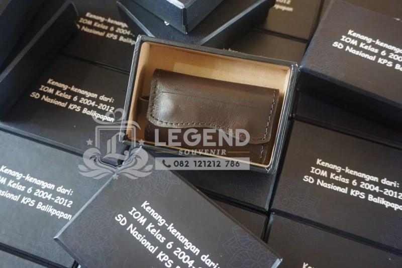 ide souvenir perusahaan untuk promosi bisnis yang berkesan gantungan kunci kulit