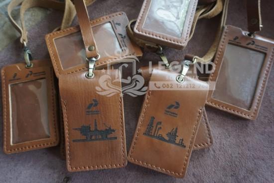 souvenir coorporate id card kulit